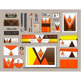 Деловые канцелярские принадлежности с оранжевым дизайном