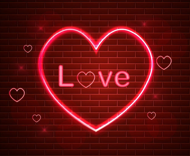 Красный символ любви в неоновом свете