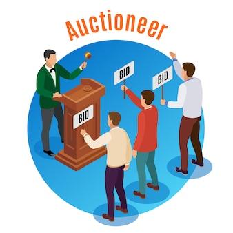 Изометрическая эмблема круглого аукциона с аукционистом и тремя мужчинами с табличками в руках