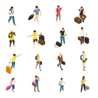 白の等尺性のアイコンの旅行セットの中に荷物とガジェットを持つ人々