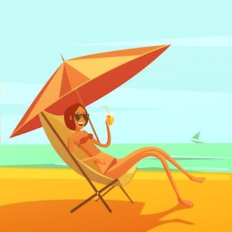 カクテルを飲みながら長椅子で女性と海の背景で休憩します。