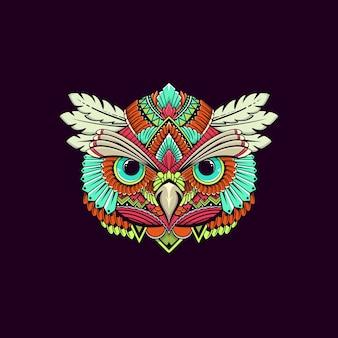 民族のフクロウの頭