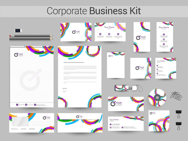 Набор фирменного стиля или шаблоны деловых канцелярских принадлежностей.
