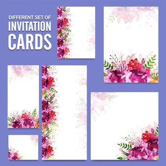 花のデザインとは異なる招待状のカードのセット。