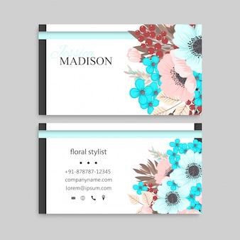 Визитная карточка с розовыми и мятой цветами.