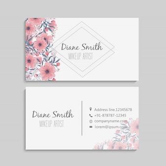 美しいピンク色の花と名刺
