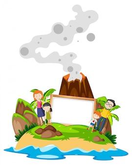 Семья держит рамку на острове