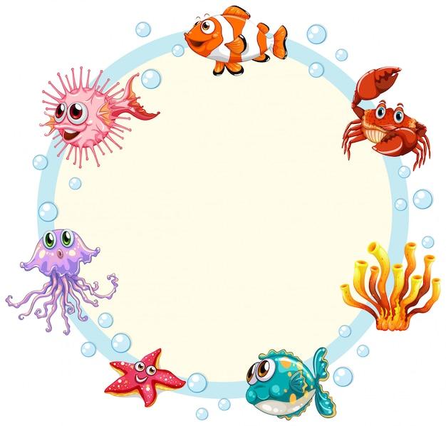 水中の生き物のフレームの背景