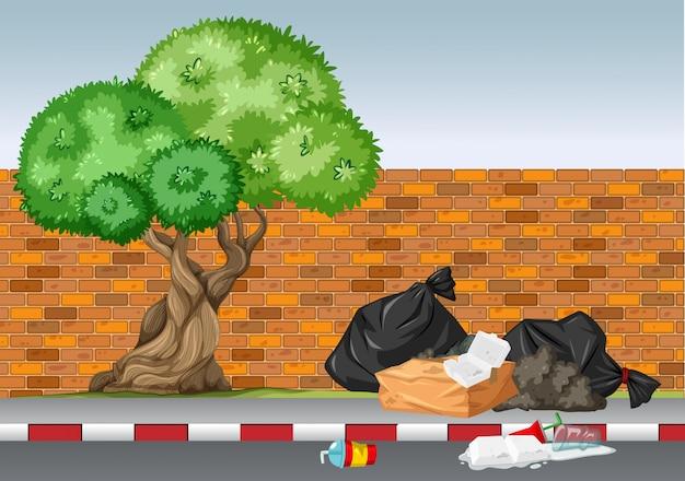 Сцена с мусором под елкой