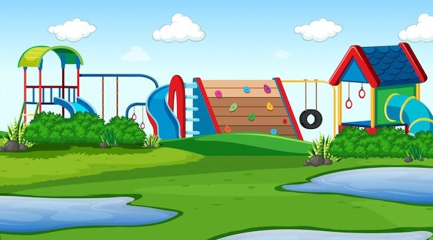 屋外公園の遊び場シーン
