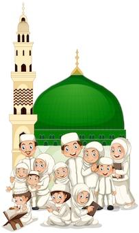 モスクの前でイスラム教徒の家族