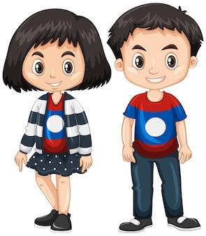 男の子と女の子のラオスの国旗のシャツを着て