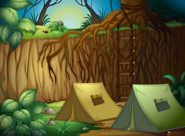 森林でのキャンプ用テント