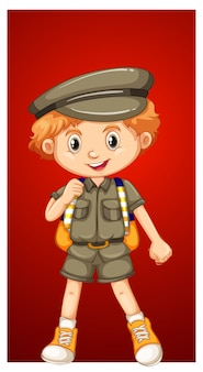 サファリの衣装で幸せな少年