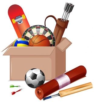 Картонная коробка, полная спортивного инвентаря