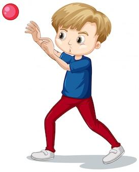 Милый мальчик в синей рубашке бросает мяч