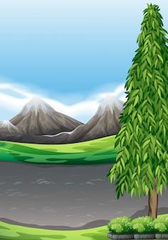 山と野原のある風景