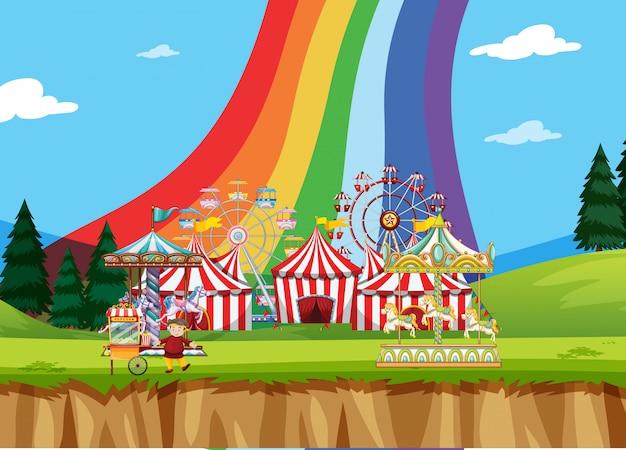 Цирковая сцена с палатками и множеством аттракционов