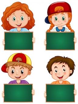 白い背景での幸せな子供たちと空白記号テンプレート