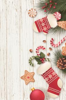 Реалистичная вертикальный новогодний фон с конфетами