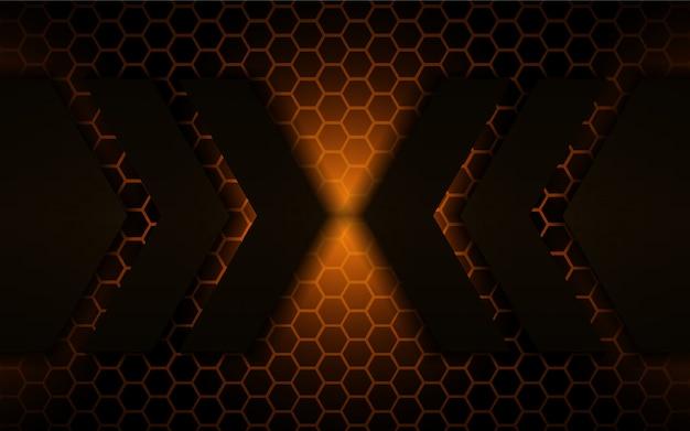 黄金の明るい背景を持つ抽象的な黒い金属形状