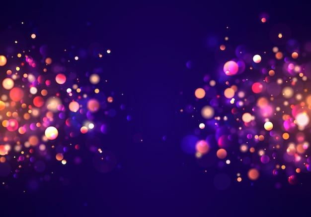 カラフルなライトのボケ味を持つお祝いの紫と金色の明るい背景。