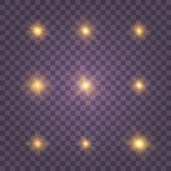 Белое золото желтый светящийся свет взрывается на прозрачном фоне. сверкающие магические частицы пыли. яркая звезда. прозрачное сияющее солнце, яркая вспышка. набор золотисто-желтых блесток.