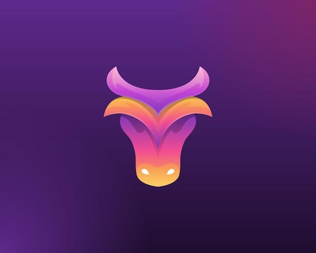 ブルのロゴ。動物の頭のビジネスのロゴ