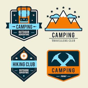 ハイキング装置とアウトドア調理アイコン付きキャンプフラットセット