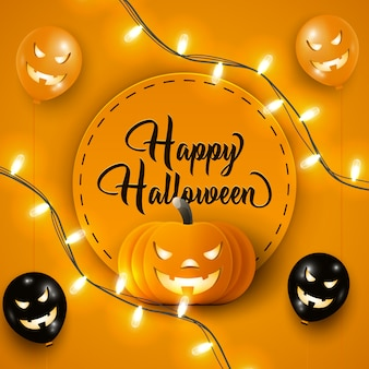 Счастливый баннер хэллоуина с черными и оранжевыми воздушными шарами хэллоуина, огнями гирлянды и тыквой на оранжевом