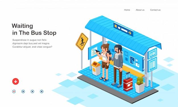 Изометрическая иллюстрация людей человека и женщин, ожидающих автобус в остановке автобусов