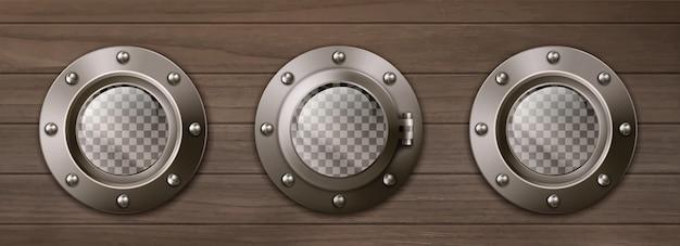 Прозрачные корабельные иллюминаторы на деревянной стене