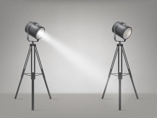 Сценический или студийный прожектор реалистичный вектор