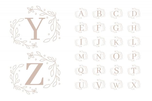 Женские цветочные начальные шаблоны логотипов