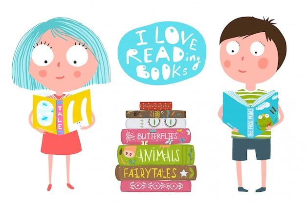 Симпатичные дети мальчик и девочка, чтение книг