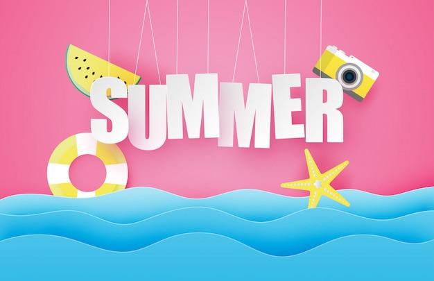 こんにちは夏のポスターまたはバナー、テキスト、スイカ、水泳リングをぶら下げ、紙のカットスタイルで海の波の上の星。