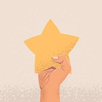 Поднял руку, держащую звезду. отзывы клиентов или концепция звездного рейтинга.