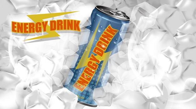 Свежий энергетический напиток в банке с фоном из кубиков льда, плакат продукта «упаковка и энергетический напиток»