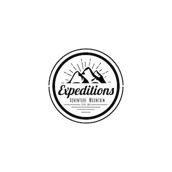 Шаблон логотипа горы винтаж