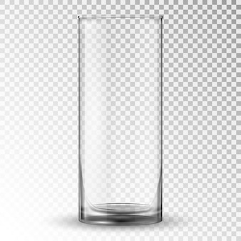 空の現実的な飲むガラスカップ。
