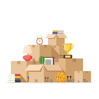 Переезд с ящиками в новый дом