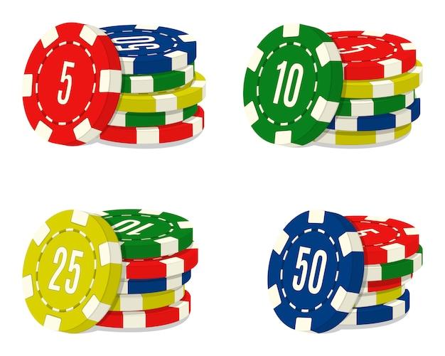 Набор из четырех стеков фишек казино с различным значением. куча монет игорного дома.