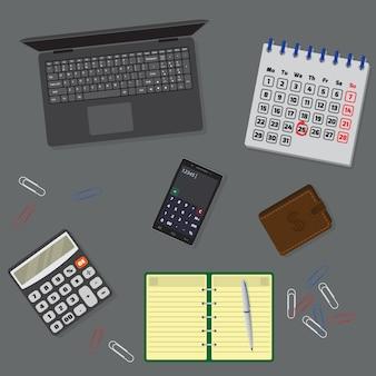 ラップトップ、ノートブック、カレンダーのオフィステーブルの整理。上面図。