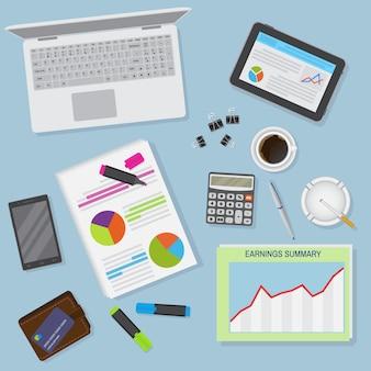 ノートパソコン、デジタルデバイス、金融およびビジネスオブジェクトを含むオフィスデスク背景の平面図。