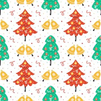 クリスマス、新年のシームレスなパターン。手描きのジングルベルプリントでフラットなクリスマスツリー。ファブリック、紙の背景。