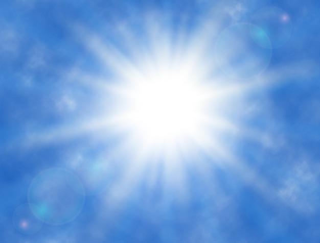 空、雲、輝く太陽、太陽光線。日当たりの良い背景。夏。