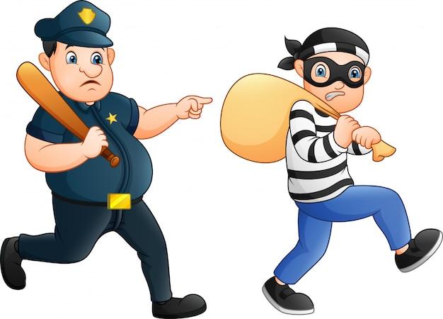 Полицейский пытается преследовать вора