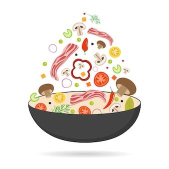 中華鍋、トマト、パプリカ、コショウ、マッシュルーム、ベーコン。アジア料理。ポークベーコンと空飛ぶ野菜。