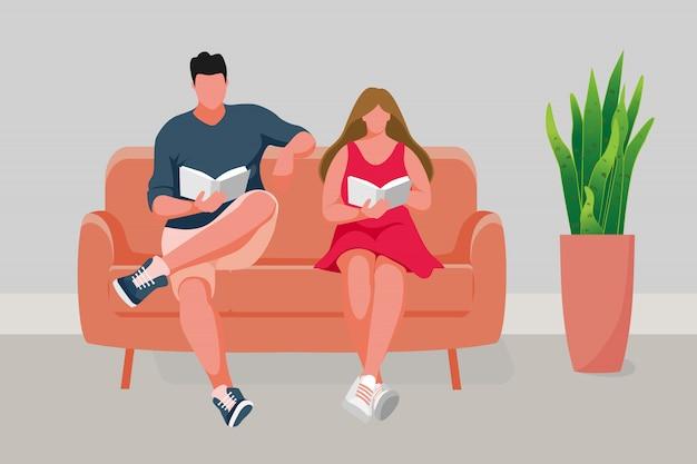 男と女はソファに座って