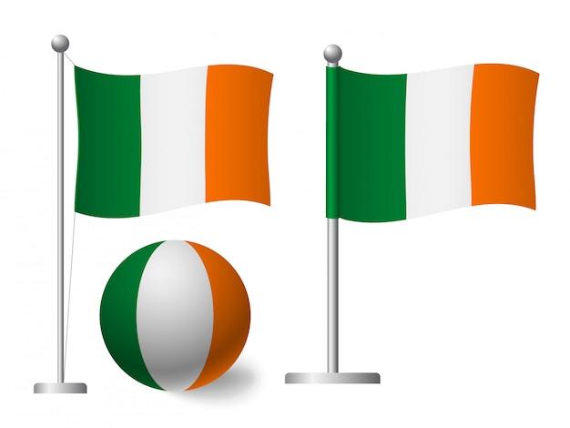 Флаг ирландии на значок полюса и мяча